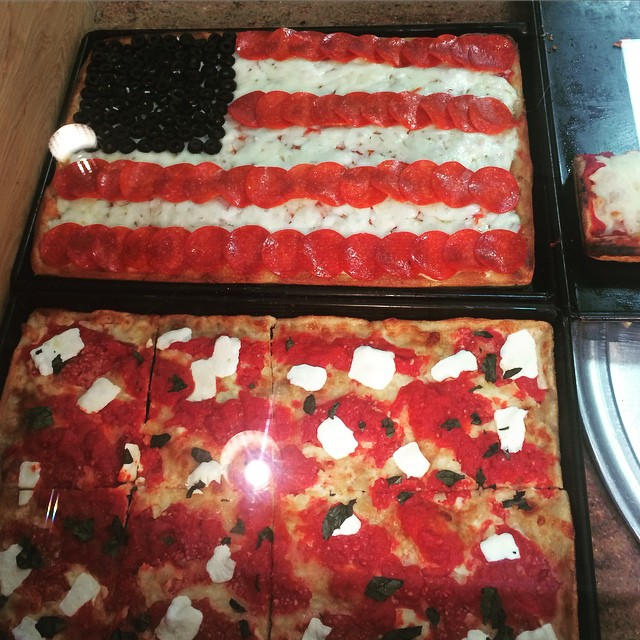 villameci memorialday pizzaflag america pizza whybbq